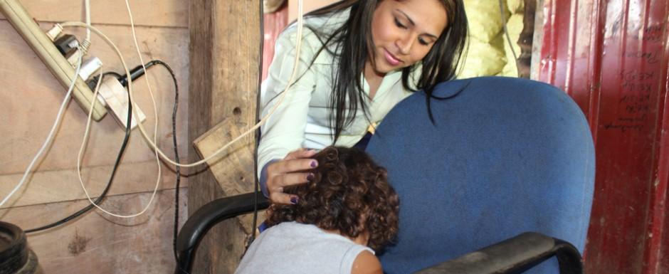 Idalia Martínez presenta denuncia en la Procuraduría General de la Nación por video difundido de niñas obligadas a pelear