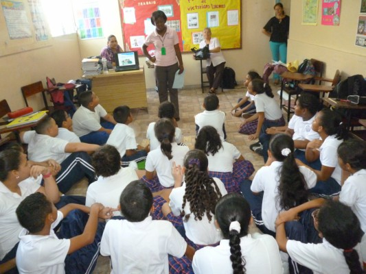 Senniaf, realiza jornada de sensibilización en C.E.B Rayitos de Luz